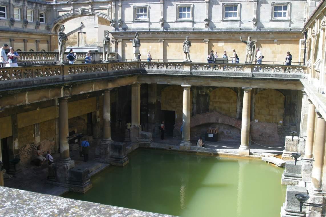 1._Inside_the_baths_