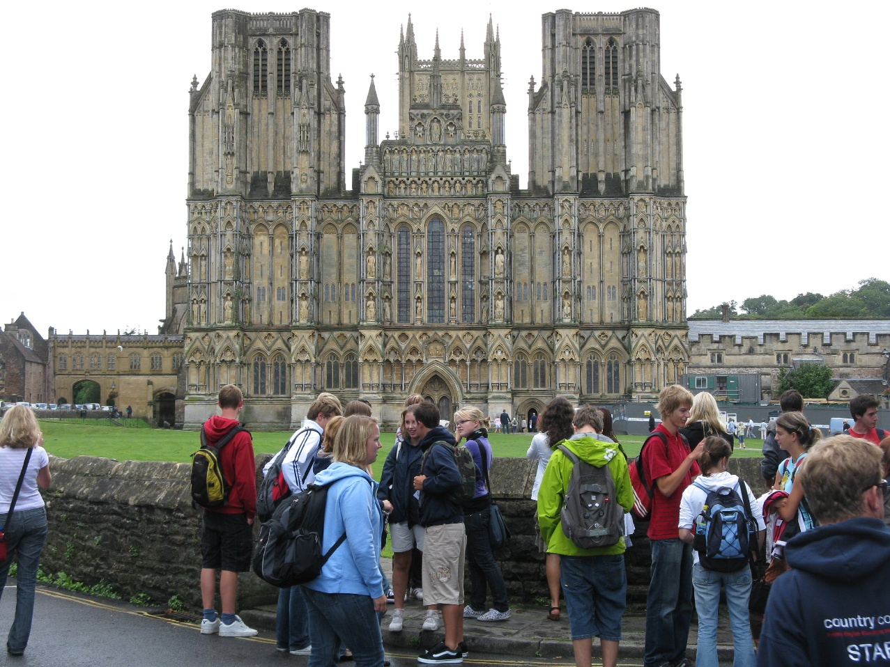Group_at_Wells_Cathedral
